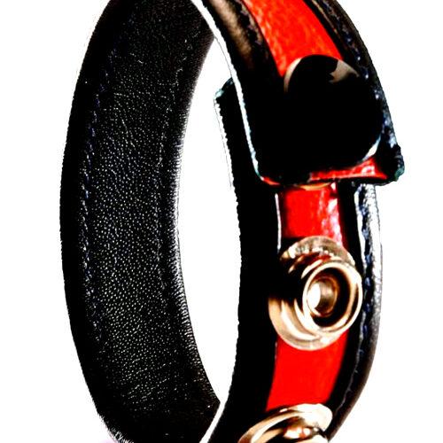 Красное кожаное кольцо на член